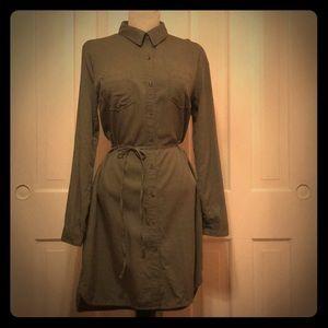 Longsleeve Olivegreen Merona kneelength shirtdress
